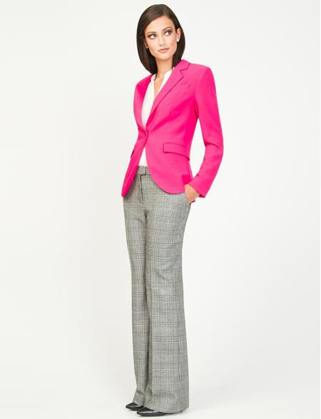 blazer rosa com calça social xadrez