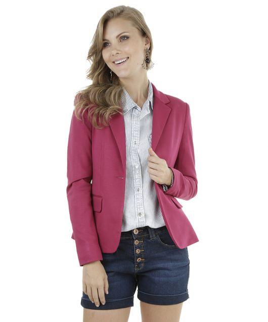 blazer rosa com short jeans