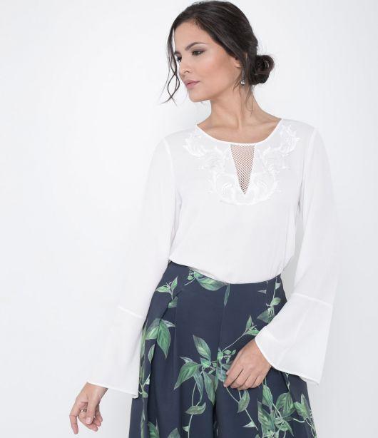 blusa flare branca