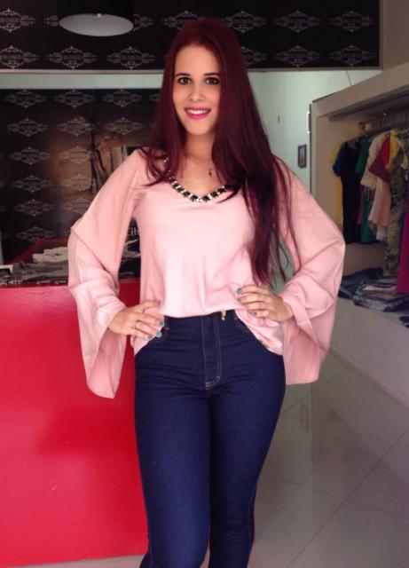blusa flare com calça jeans