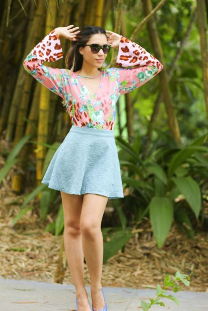 blusa flare com saia azul