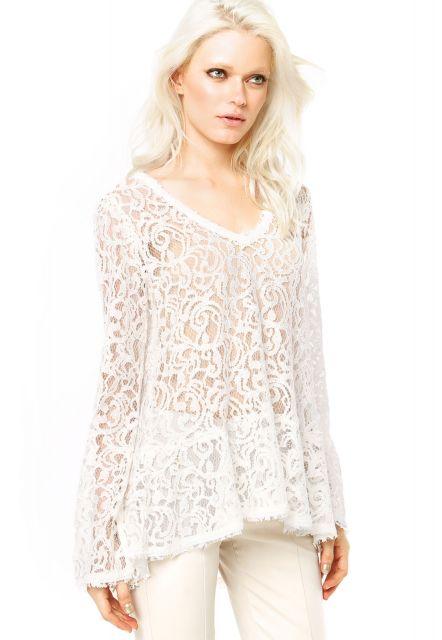 blusa flare transparente branca