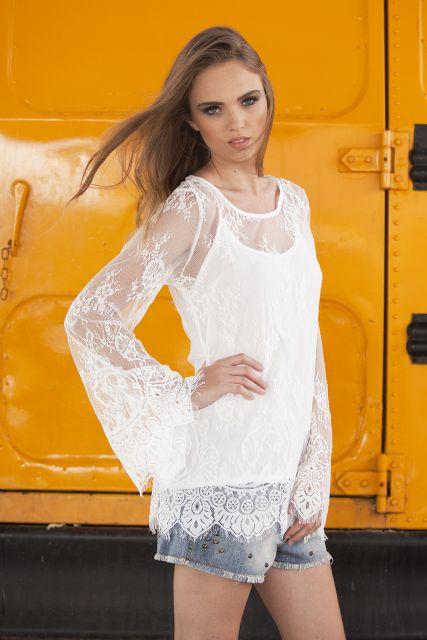 blusa flare branca transparente