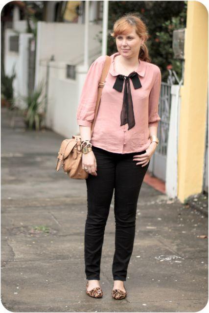 blusa gravatinha romantica rosa
