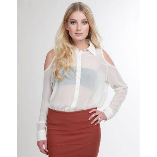 blusa branca com top preto