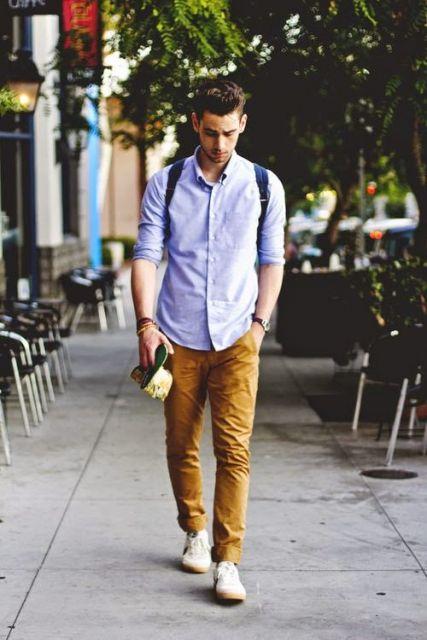 calça chino e camisa