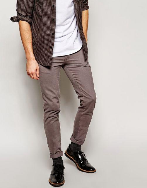 calça chino e sapato social