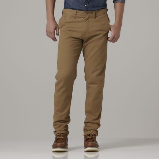 calça chino e sapato