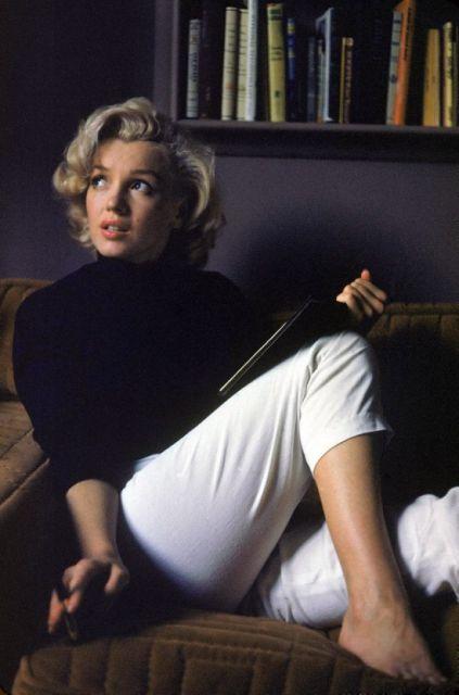 Marilyn de calça cigarrete branca
