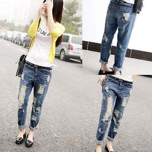 calça cropped com jeans rasgado