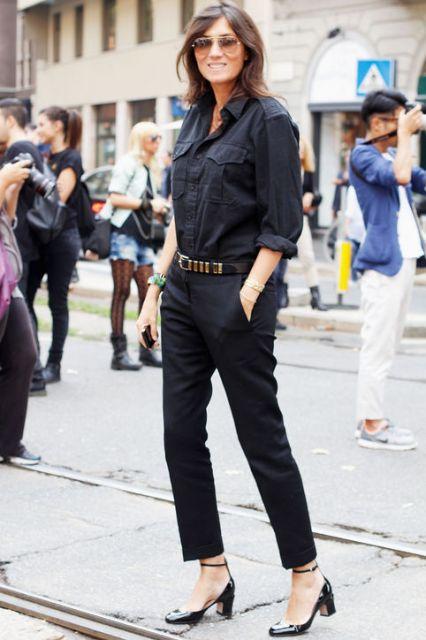 look all black com calça cropped