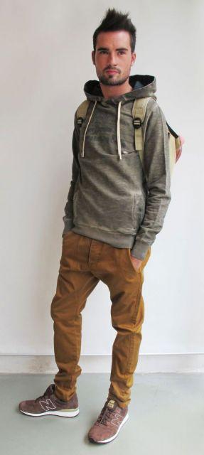 calça marrom casual