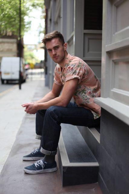 camisa havaiana masculina dobrada
