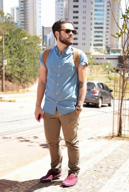 camisa jeans e calça chino