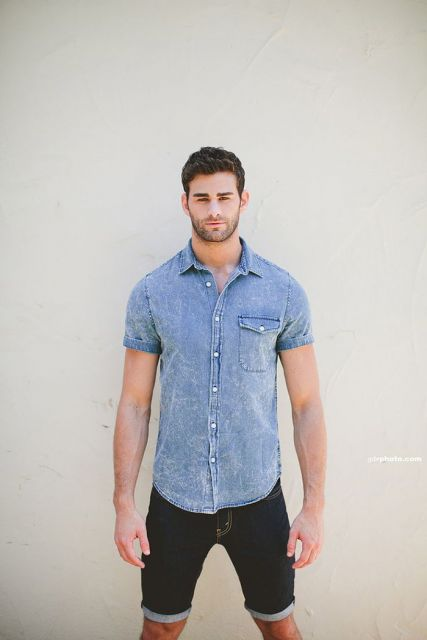 camisa jeans manga curta e bermuda