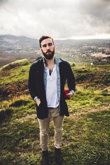 camisa jeans masculina sobreposição no inverno
