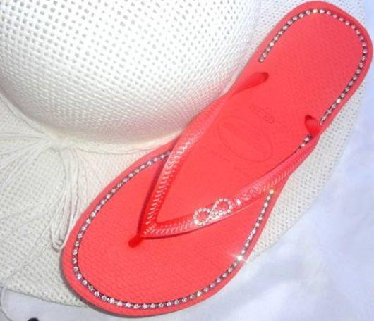 chinelos decorados - contorno com strass