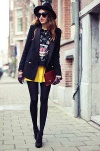 Look preto com saia amarela
