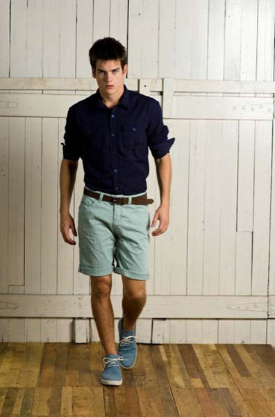 estilo casual masculino mocassim e bermuda