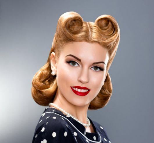 cabelo estilo pin up tradicional