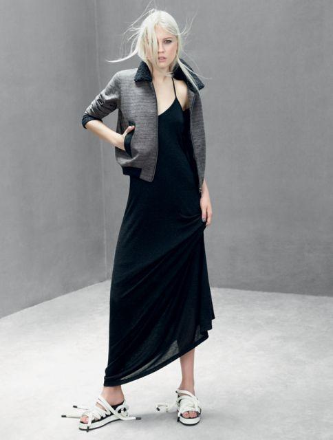 flatform com vestido de seda preto