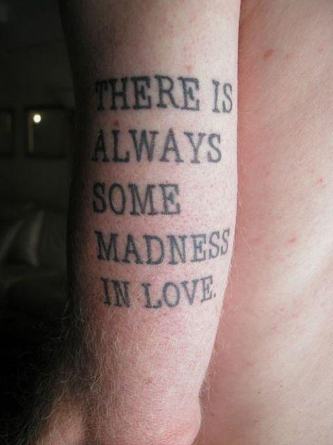 exemplo de frases para tatuagem masculina