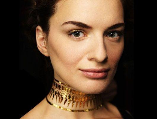 gargantilha de ouro está na moda