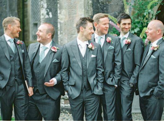 gravatas para padrinhos lenço lapela noivo destaque