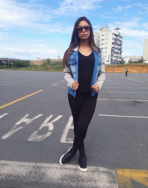 jaqueta jeans com manga de moletom ideias simples para vestir