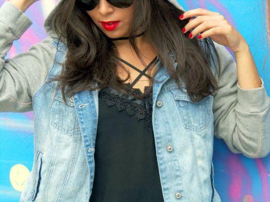 jaqueta jeans com manga de moletom tendencias da moda