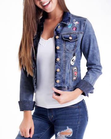 jaqueta jeans com manga de moletom com jeans