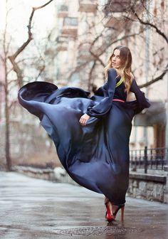 look para encontro com vestido de seda preto