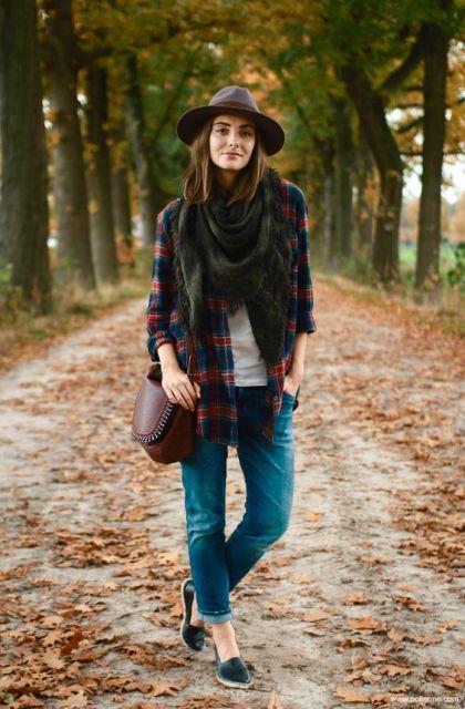 exemplo de look country com camisa xadrez
