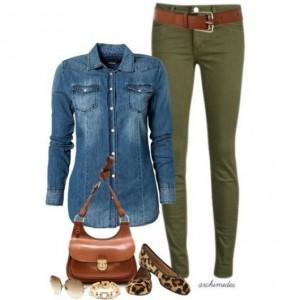 calça verde e camisa jeans