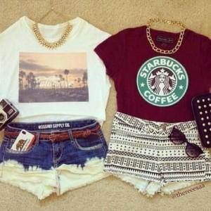 Short com T-shirt e colar