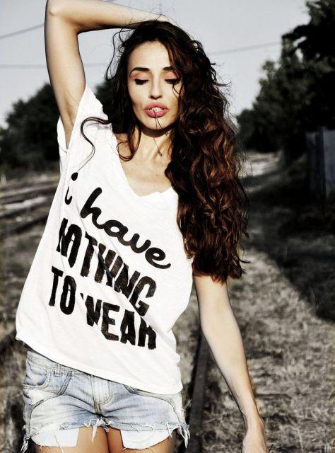 camiseta com frase para ir ao shopping