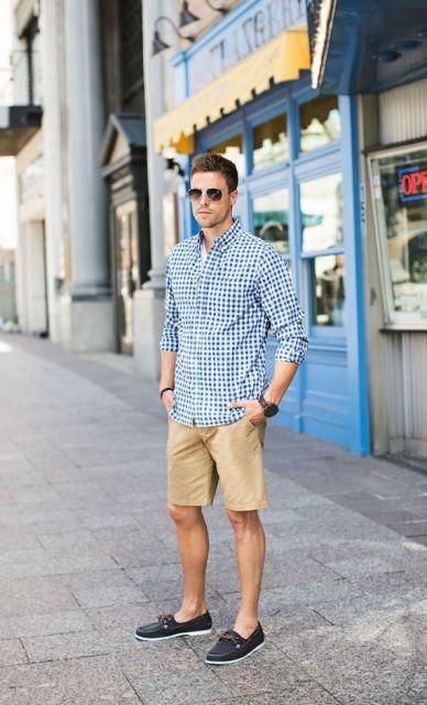 mocassim e camisa
