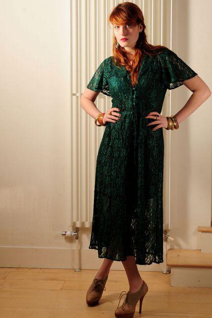 florence de vestido verde