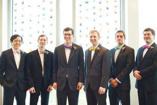 padrinhos usando gravata borboleta