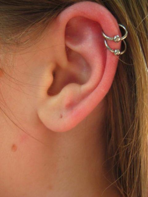 piercing na cartilagem modelo argola