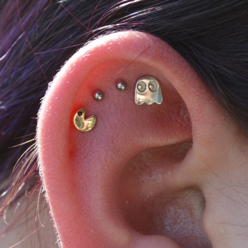 piercing na cartilagem pac man