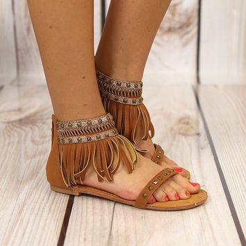 sandália de franja rasteira