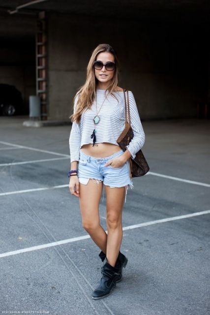 street style com blusa cropped