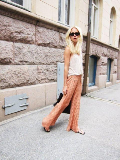 street style com calça estampada