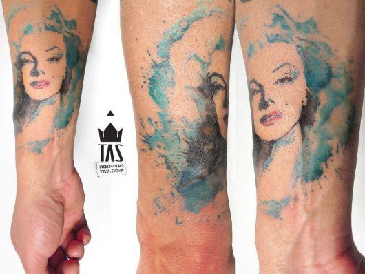 exemplo de tatuagem aquarela tas tattoo
