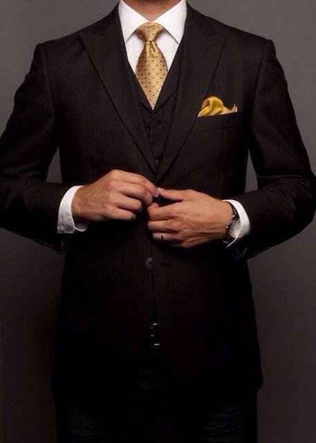 terno slim fit masculino gravata dourada
