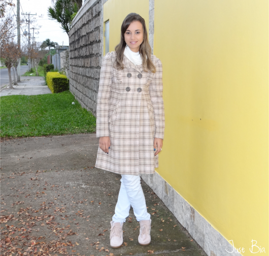 trench coat xadrez rosa