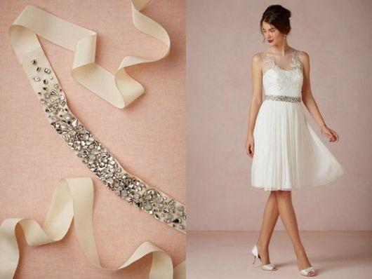 vestido com cinto brilho