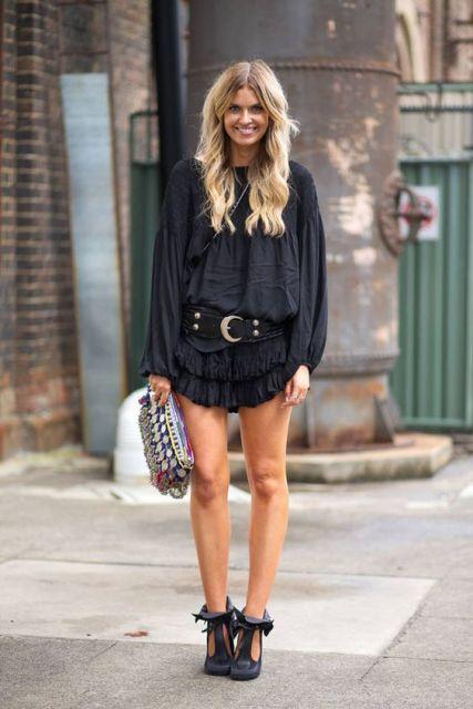 vestido com cinto preto