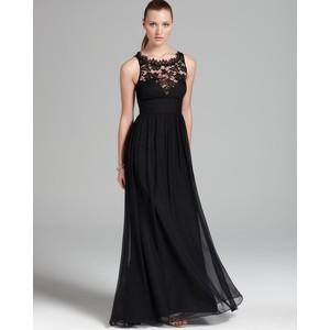 Vestido longo de seda e renda